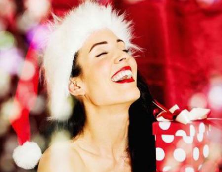 christmas collection ragazza con cappello di babbo natale