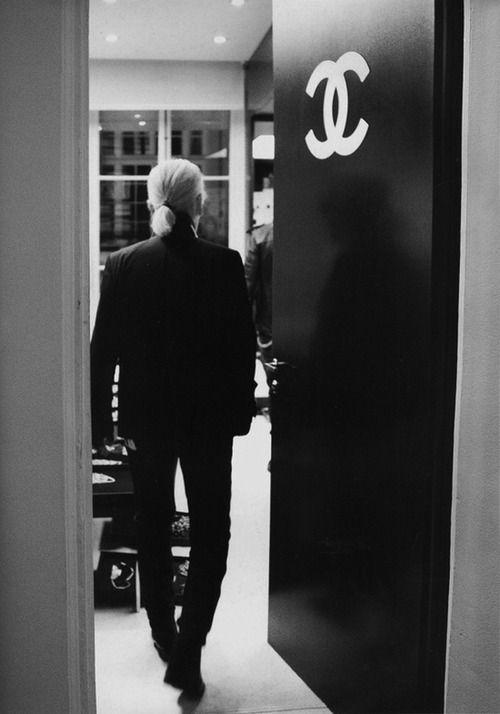 Karl Who? Karl Lagerfeld, il maestro della storia della moda