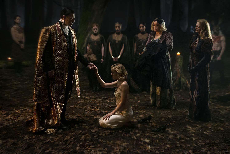 Sabrina durante il suo Battesimo Nero - LE TERRIFICANTI AVVENTURE DI SABRINA