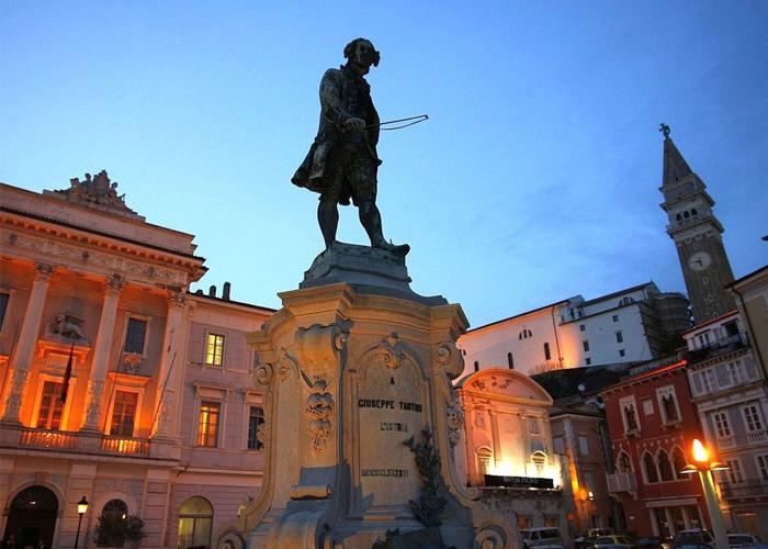 Statua Giuseppe Tartini a Pirano
